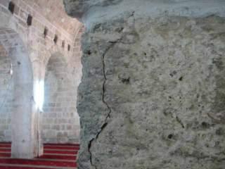 Fissures sur les piliers de la mosquée El Aqsa survenues suite aux fouilles